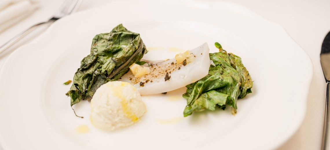 Il piatto di Martina Caruso. Seppia, verdure dell'orto e gelato all'olio